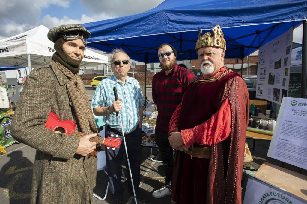 Charles Rolls and Henry V with the mayor